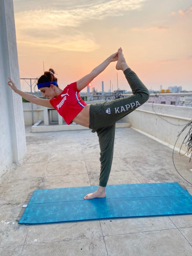 Best Yoga Mat In India Review And Comparison Detailed Review Comparison Of Yoga Products